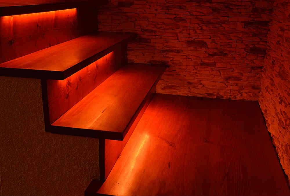 escalones iluminados con tiras led