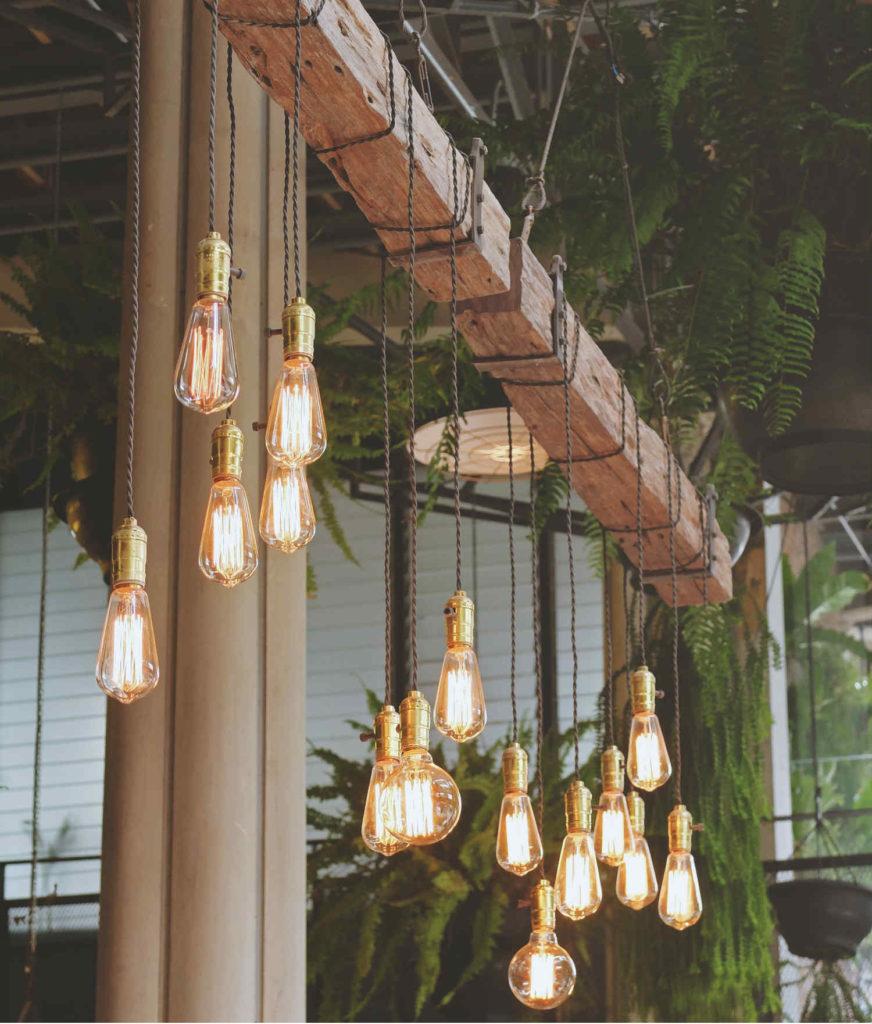 Decoración con bombillas de filamento