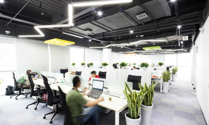 6 ideas para decorar con tiras led for Iluminacion para oficinas