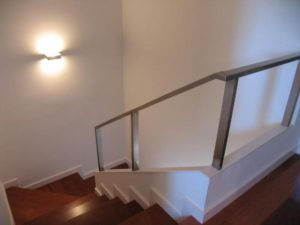 Gu a para la iluminaci n de escaleras blog for Iluminacion escaleras interiores