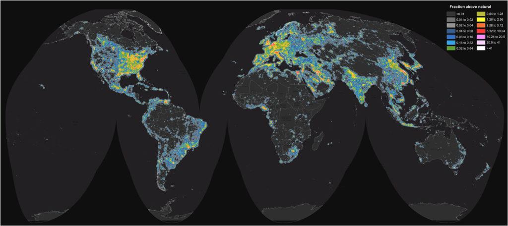 Mapa de la contaminación lumínica en el mundo