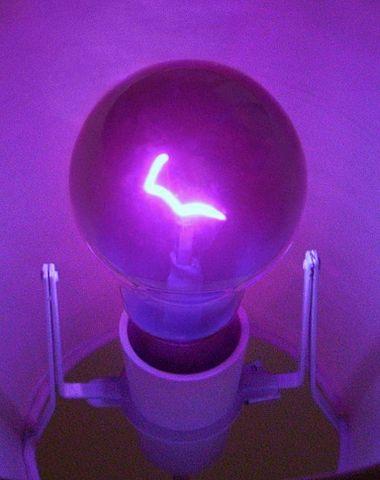 Ampoule ultraviolette à incandescence