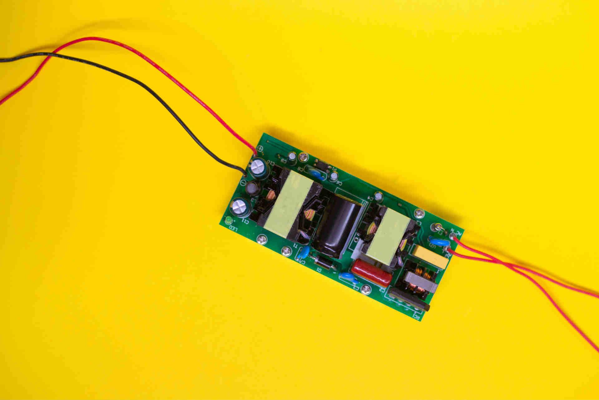 Qué son los driver LED y cómo funcionan