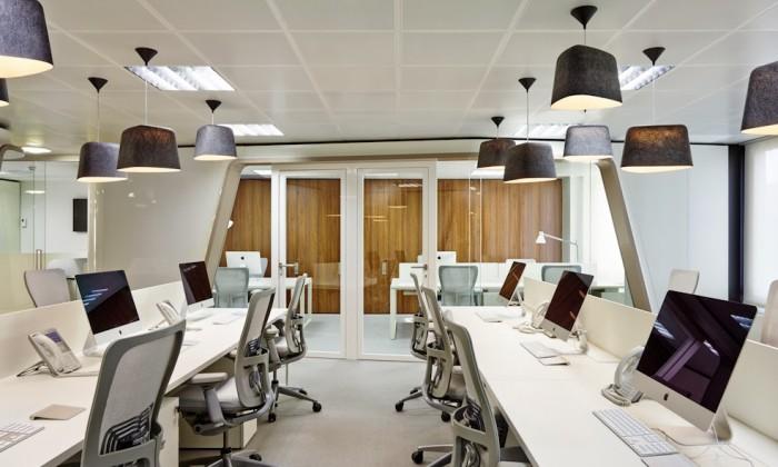 Iluminación de una oficina con lámparas LED