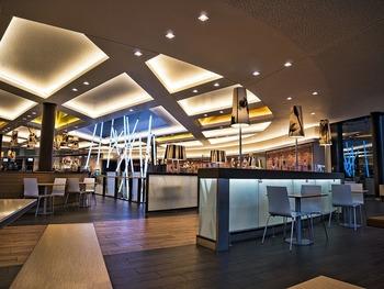 Bar decorado con led
