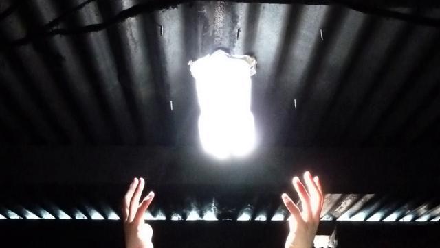 Lampara solar que funciona con agua