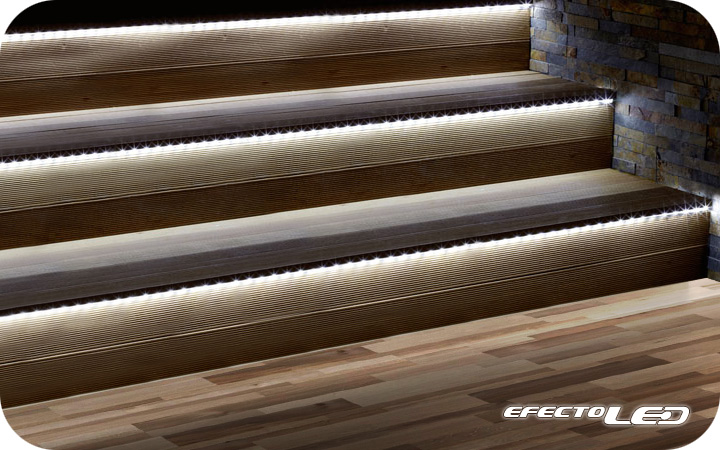 Ambientes con iluminaci n led efectoled for Apliques de led para escaleras